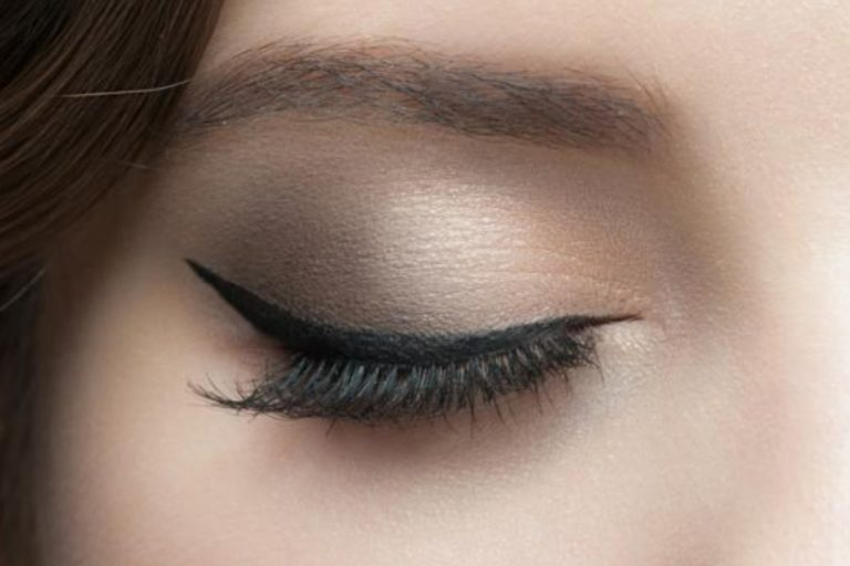 Pastikan Kosmetik Mata Kamu Tidak Mengandung 7 Bahan Kimia Berbahaya Berikut Ini